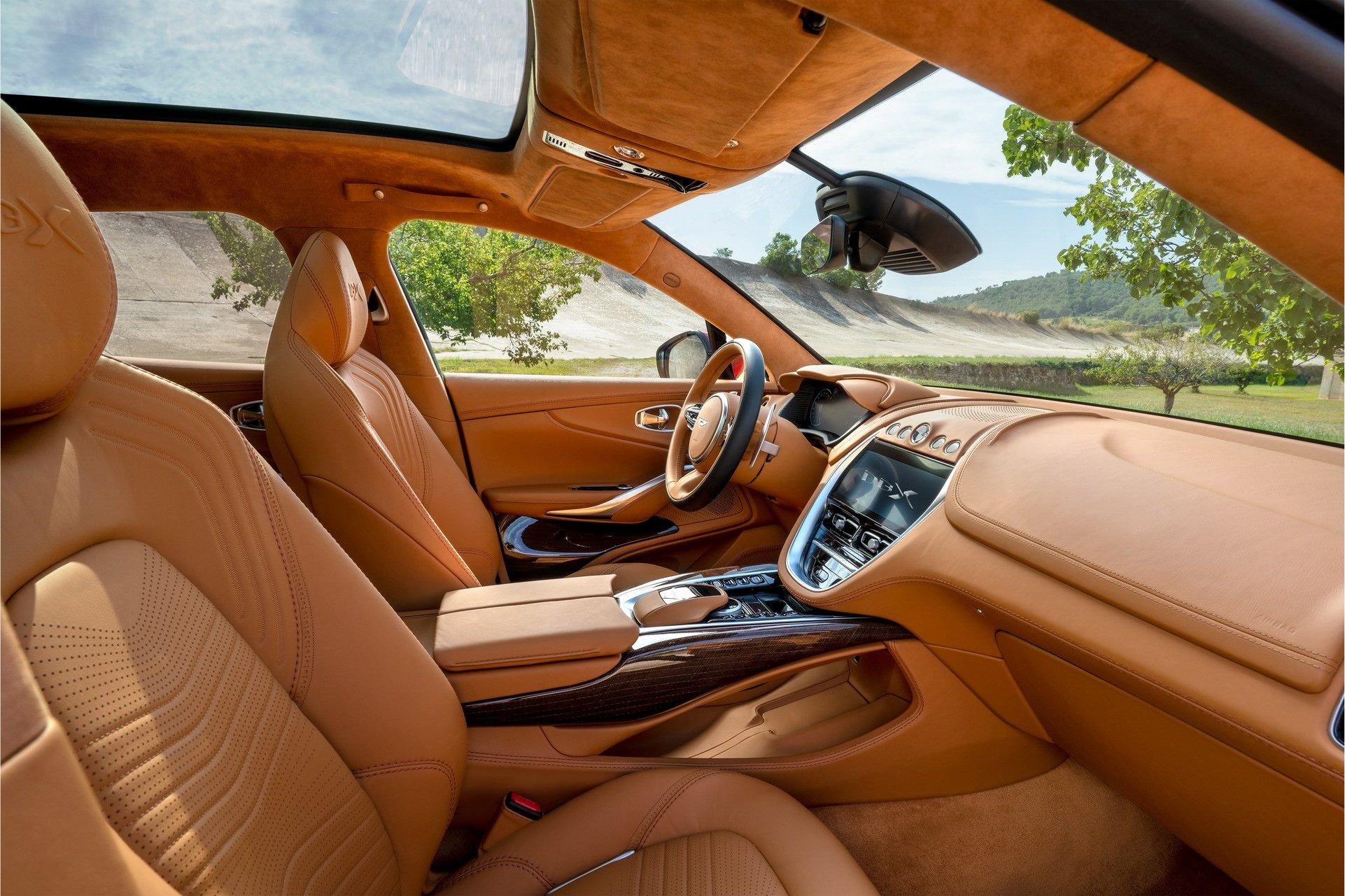 Aston Martin DBX - SUV siêu sang đầu tiên dành cho các đại gia - 15