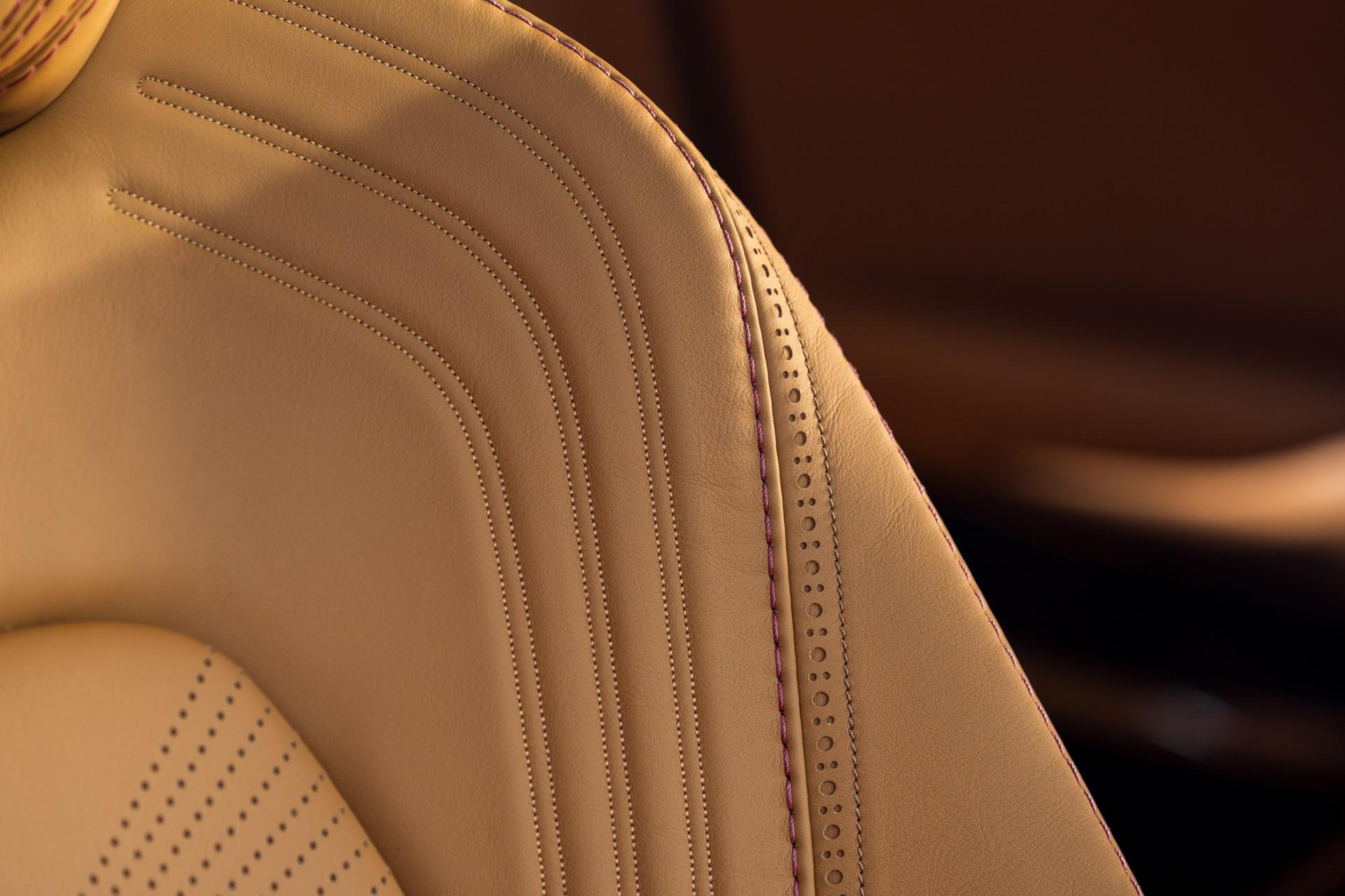 Aston Martin DBX - SUV siêu sang đầu tiên dành cho các đại gia - 5