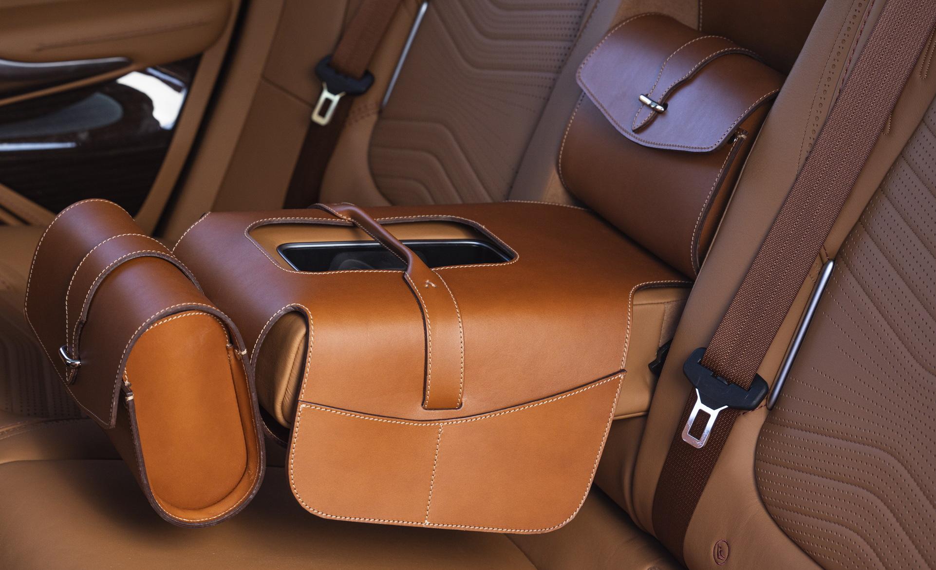 Aston Martin DBX - SUV siêu sang đầu tiên dành cho các đại gia - 4