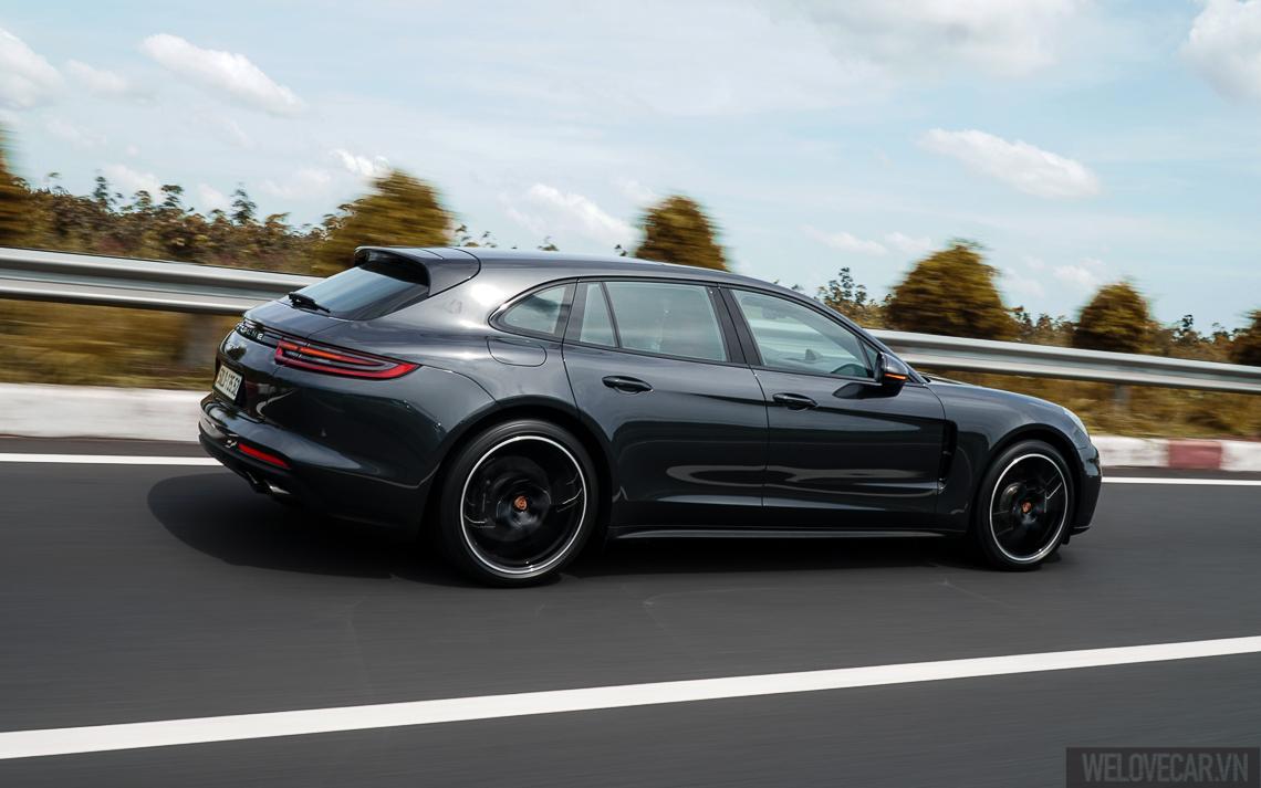 Porsche Panamera 4 Sport Turismo - 39
