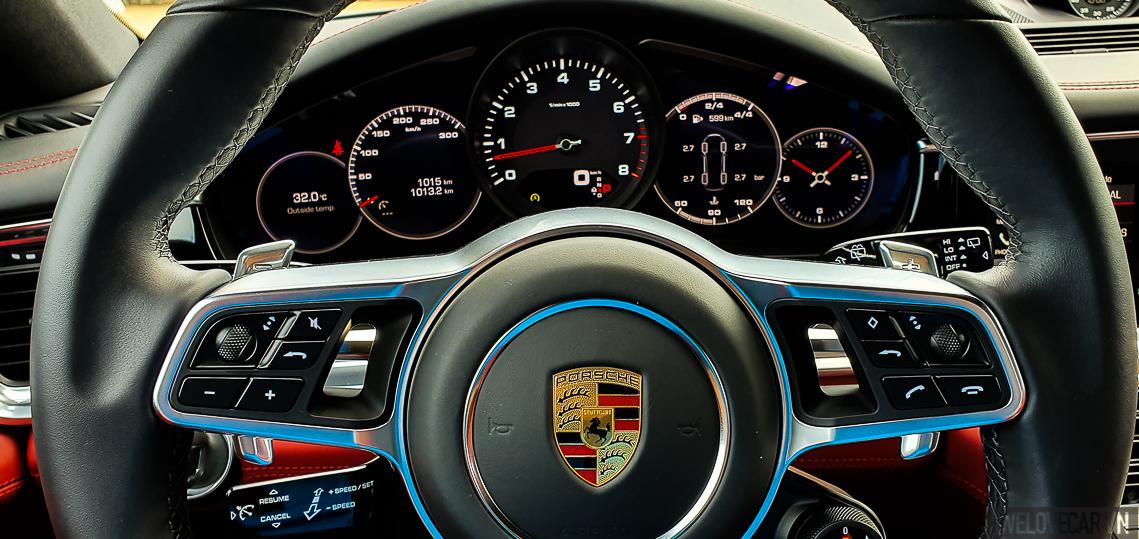 Porsche Panamera 4 Sport Turismo - 3