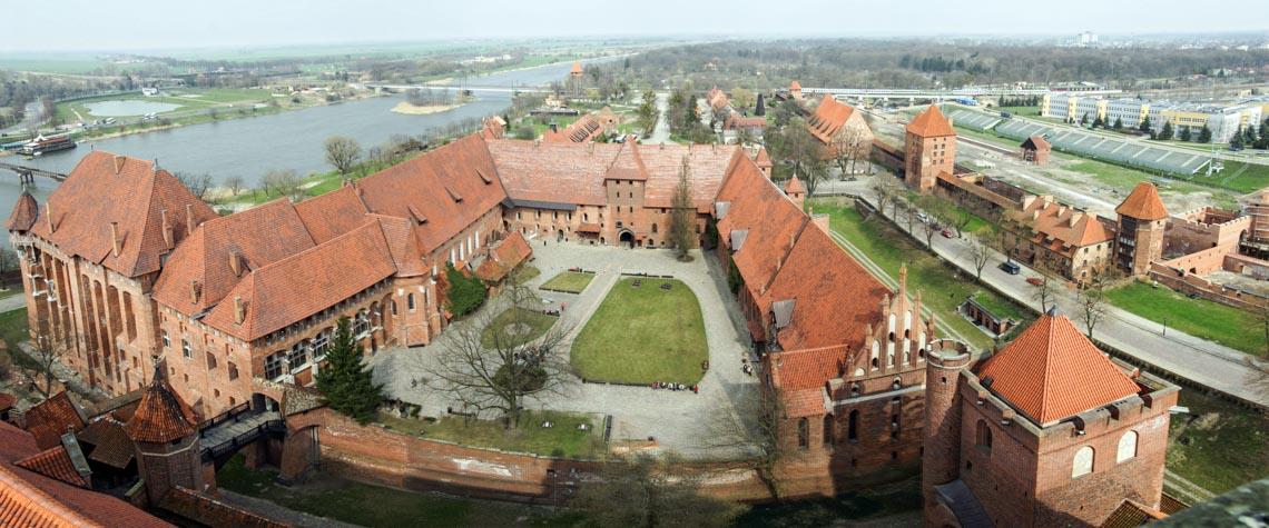 10 lâu đài hoành tráng nhất thế giới-10