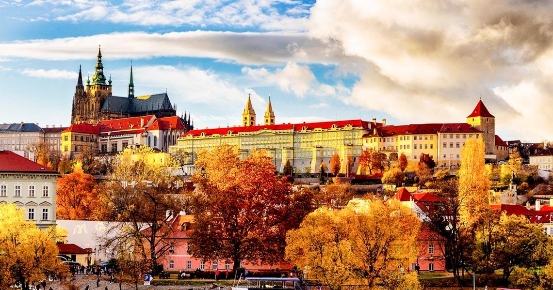 10 lâu đài hoành tráng nhất thế giới-16