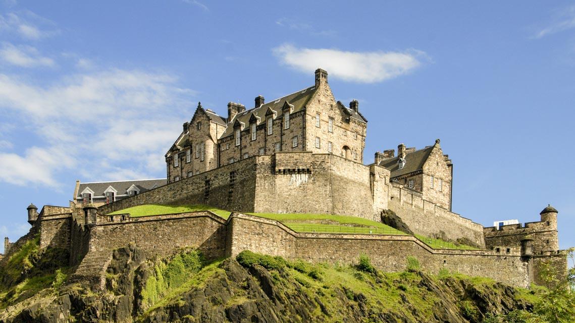 10 lâu đài hoành tráng nhất thế giới-5