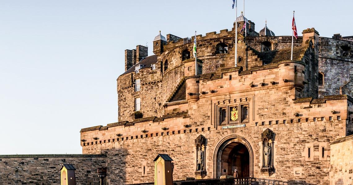10 lâu đài hoành tráng nhất thế giới-6