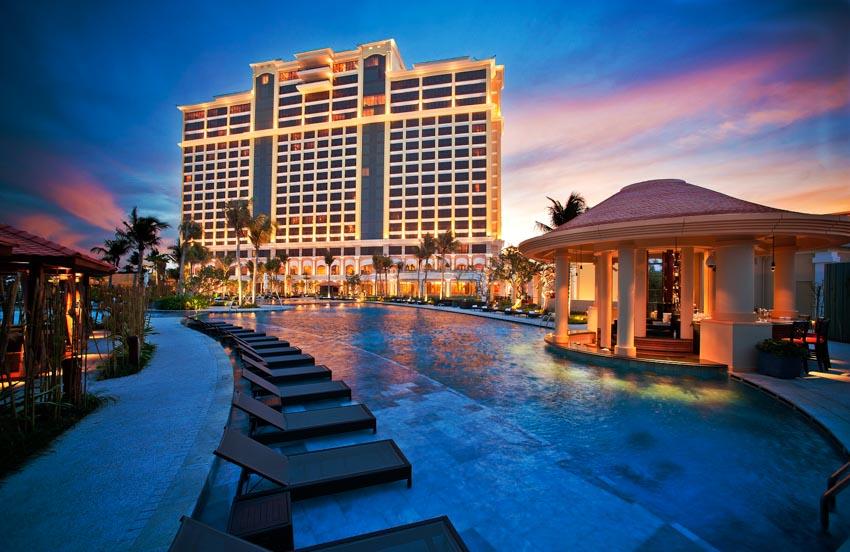 Tập đoàn IHG quản lý vận hành hai khách sạn mới tại Hồ Tràm Strip -1