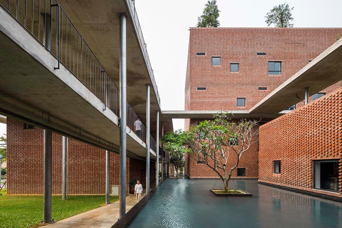 Công trình kiến trúc nhiều cây xanh của Việt Nam thắng lớn ở Dezeen Awards -17