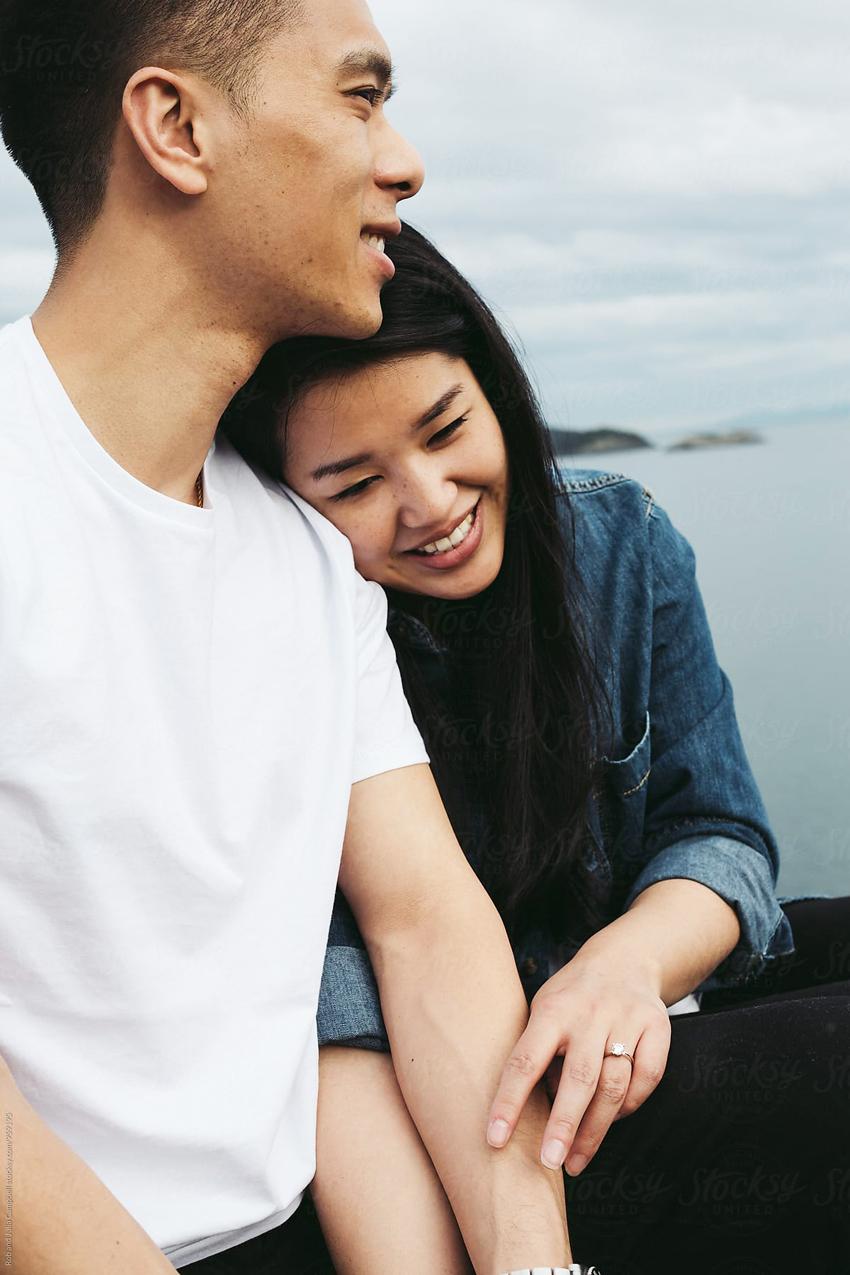 Cử chỉ yêu thương trong cuộc sống vợ chồng-1
