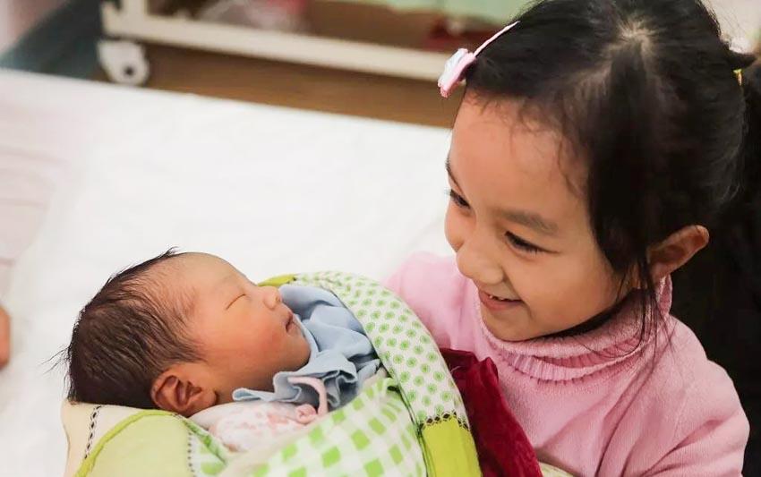 Khi đứa con thứ hai chào đời-3