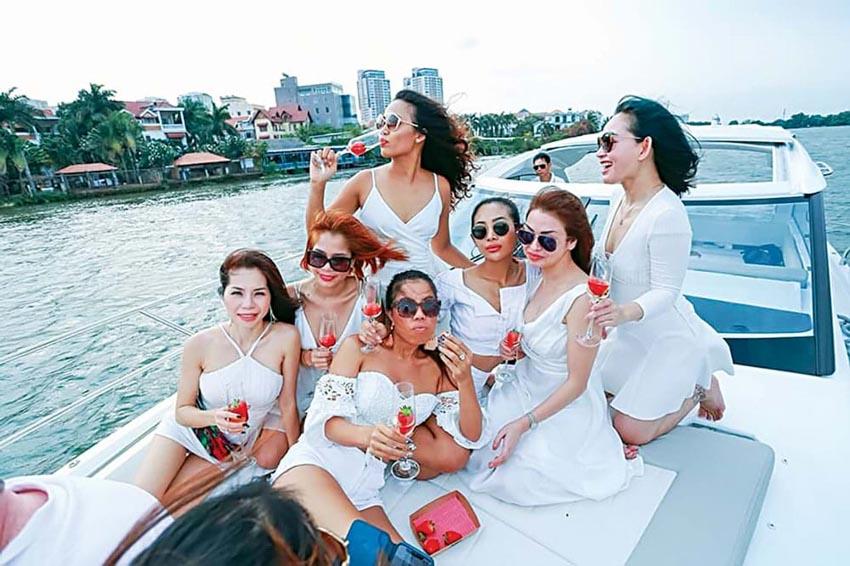 """Nghề """"nuôi"""" du thuyền ở Sài Gòn -5"""