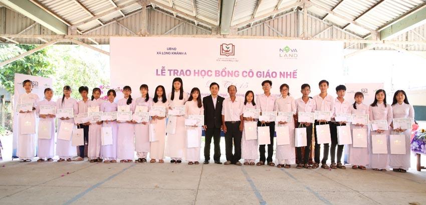 Novaland trao tặng 180 suất học bổng Cô giáo Nhế cho học sinh tỉnh Đồng Tháp 3