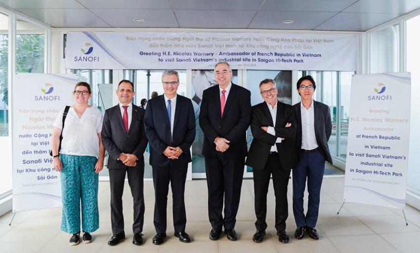 Tân đại sứ Pháp đến thăm nhà máy Sanofi tại SHTP -1