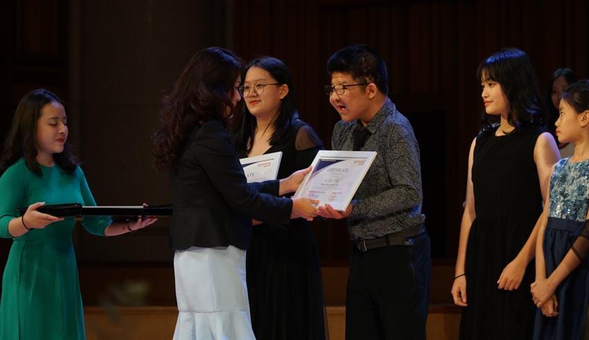 Toyota trao học bổng cho các tài năng trẻ âm nhạc Việt Nam năm 2019-3