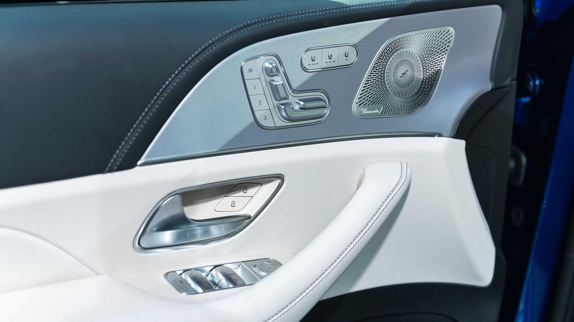 Mercedes-AMG GLS 63 2020 - SUV hiệu suất cao trình làng - 34