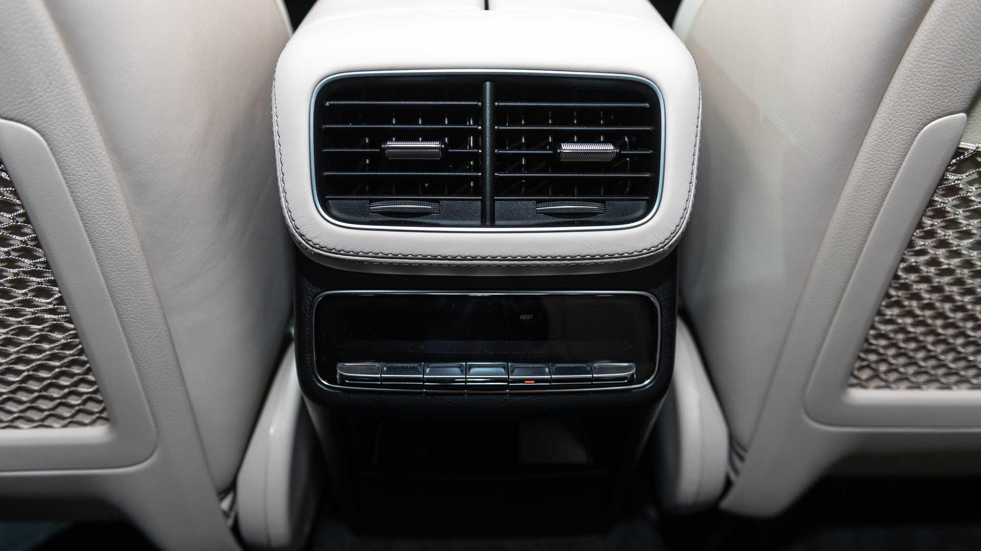 Mercedes-AMG GLS 63 2020 - SUV hiệu suất cao trình làng - 31
