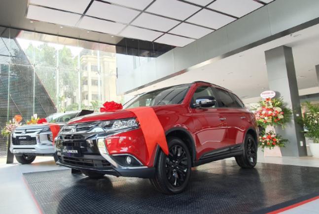 Bảng giá xe Mitsubishi tháng 11-2019 -2