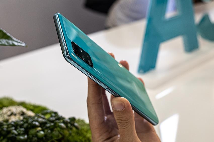 Samsung ra mắt Galaxy A51 đầu tiên trên thế giới, Camera Macro chụp cận cảnh - 3