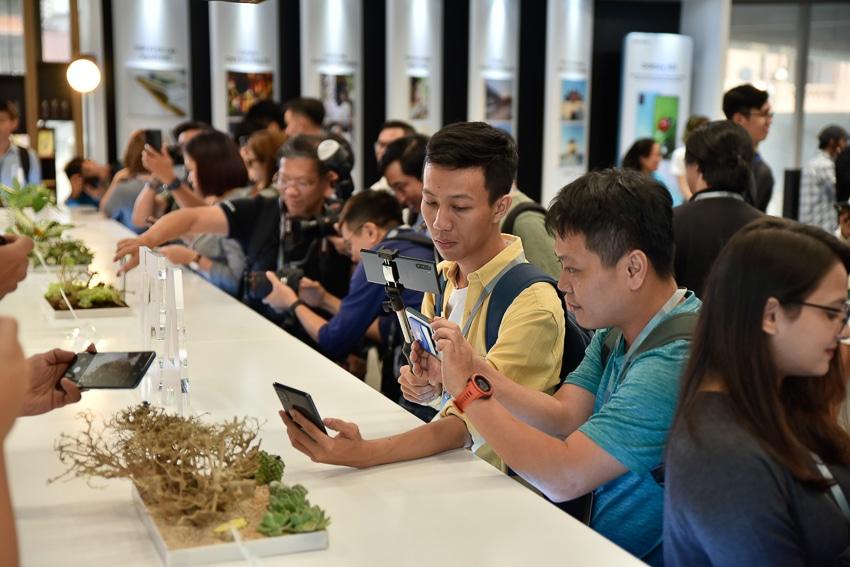 Samsung ra mắt Galaxy A51 đầu tiên trên thế giới, Camera Macro chụp cận cảnh - 10