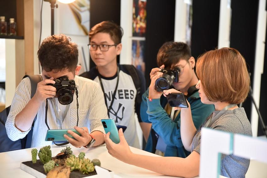 Samsung ra mắt Galaxy A51 đầu tiên trên thế giới, Camera Macro chụp cận cảnh - 9