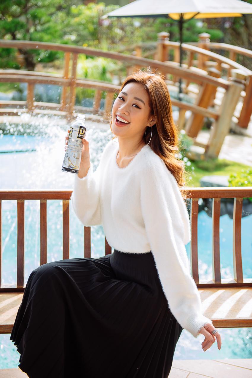 Hoa hậu Hoàn vũ Khánh Vân cùng 2 Á hậu nhận quà tặng từ Tea Resort - 1