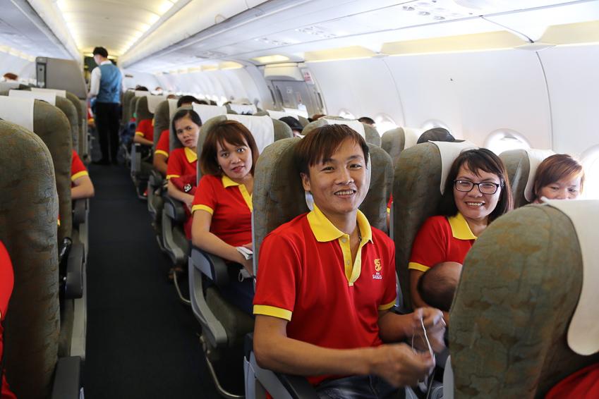 SABECO tặng 1.000 vé máy bay và 1.000 vé xe khách cho người lao động về nhà ăn tết - 4