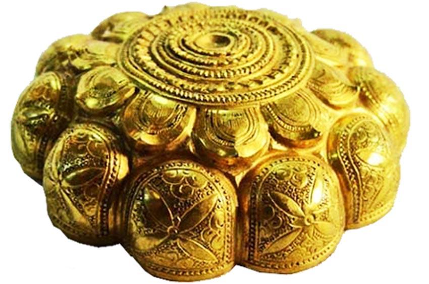 Hộp vàng Ngọa Vân, báu vật quốc gia-2