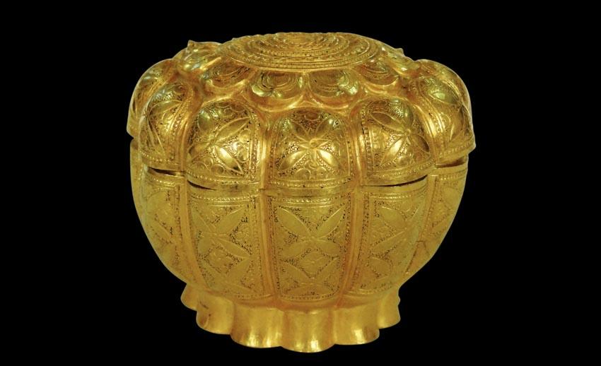 Hộp vàng Ngọa Vân, báu vật quốc gia-4
