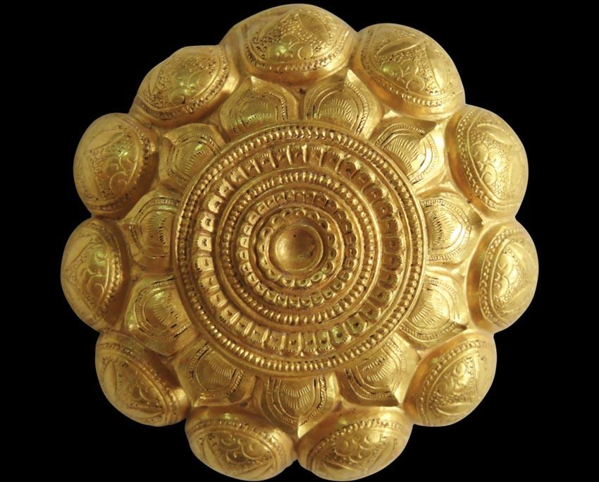 Hộp vàng Ngọa Vân, báu vật quốc gia-7