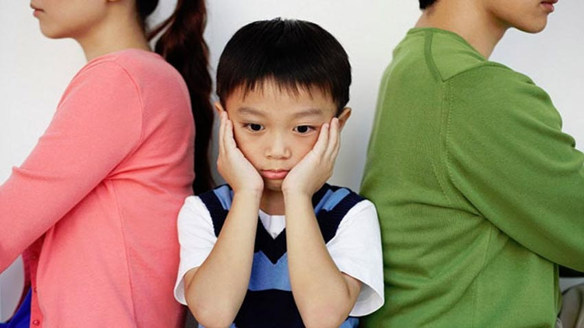 Lời nói và việc làm của cha mẹ, một nguyên nhân gây khủng hoảng ở tuổi mới lớn -1