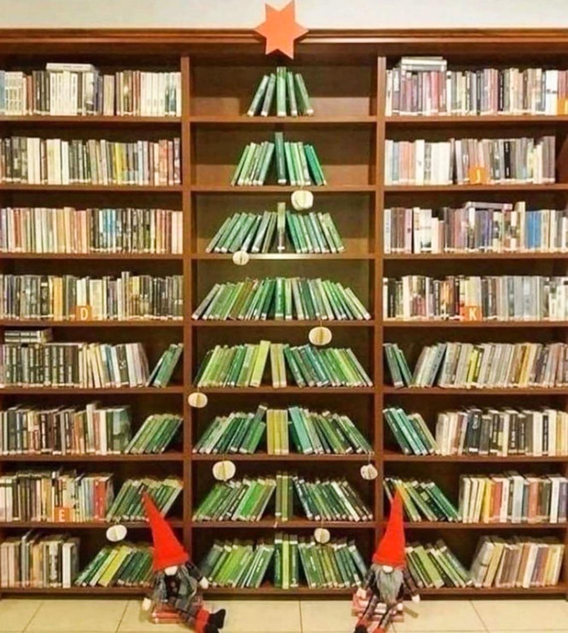 Thích mê những cây thông Noel 'có một không hai' của dân mạng-1
