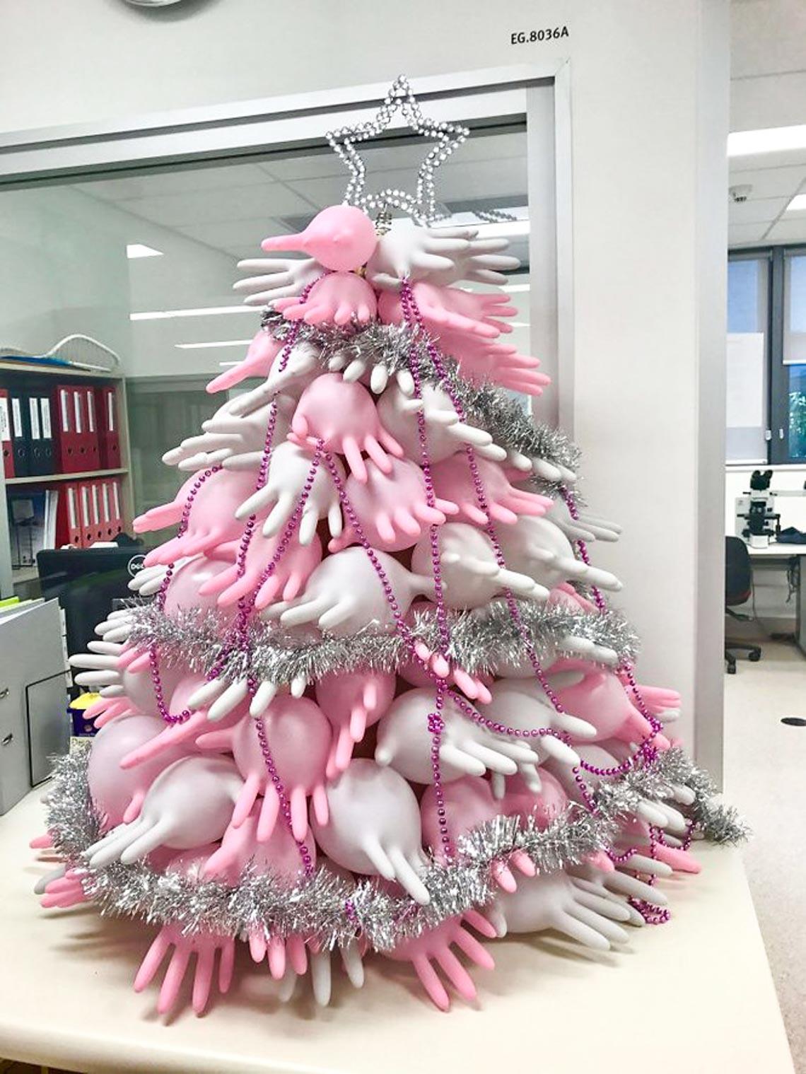 Thích mê những cây thông Noel 'có một không hai' của dân mạng-13