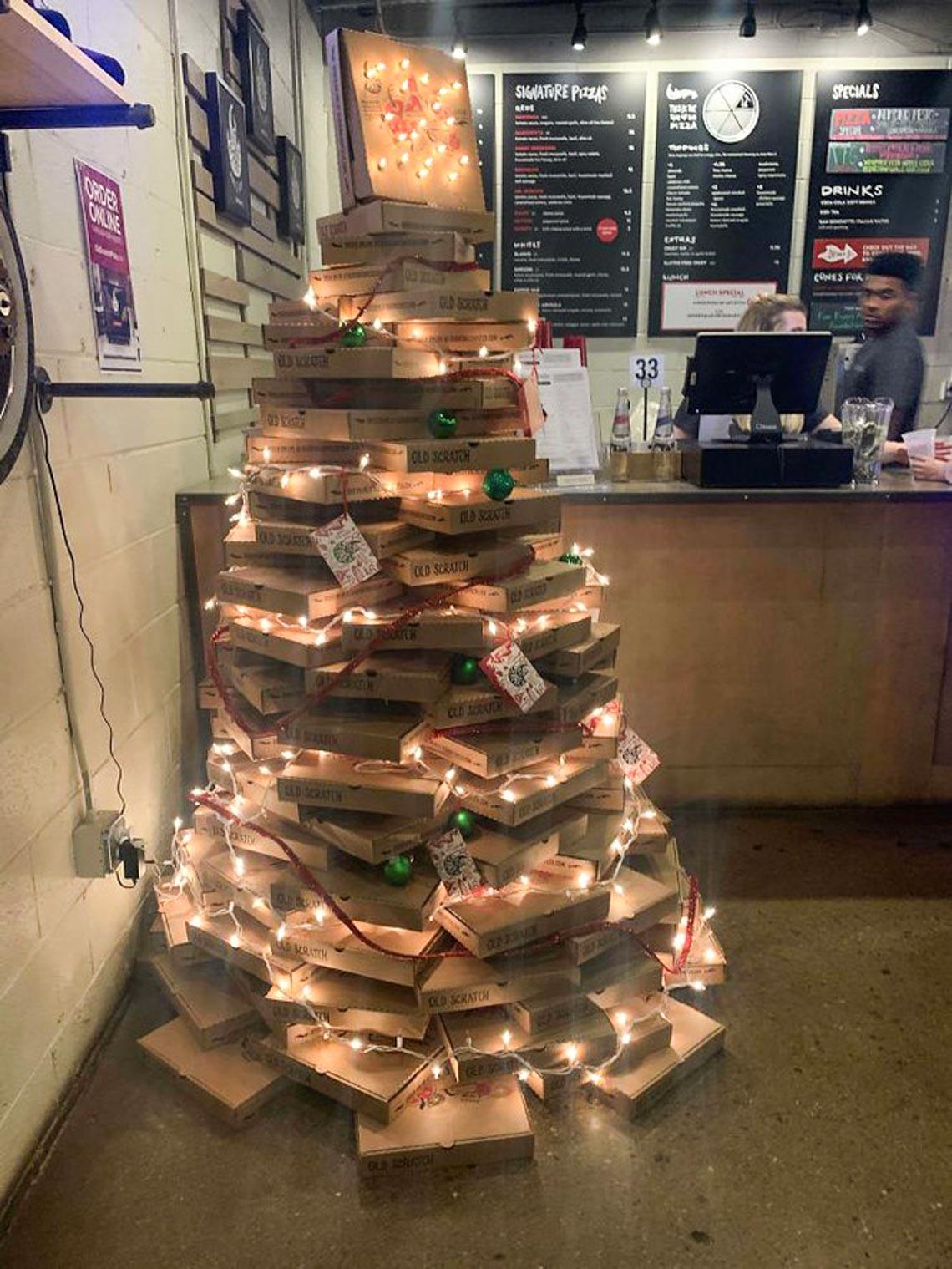 Thích mê những cây thông Noel 'có một không hai' của dân mạng-14