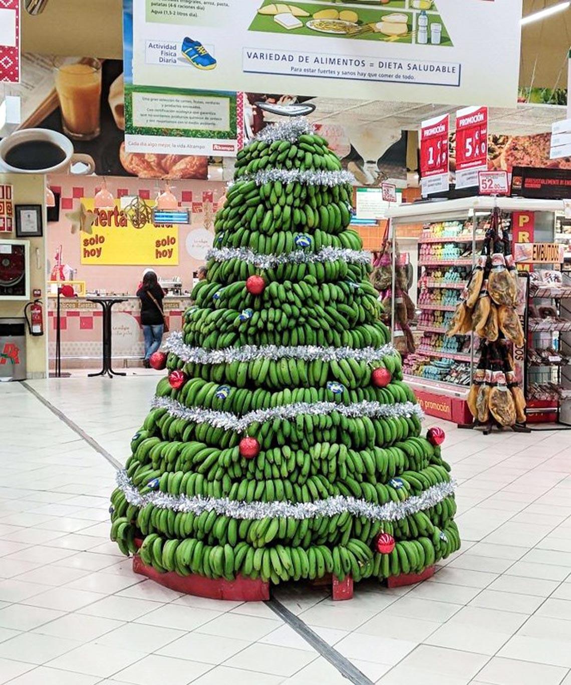 Thích mê những cây thông Noel 'có một không hai' của dân mạng-15