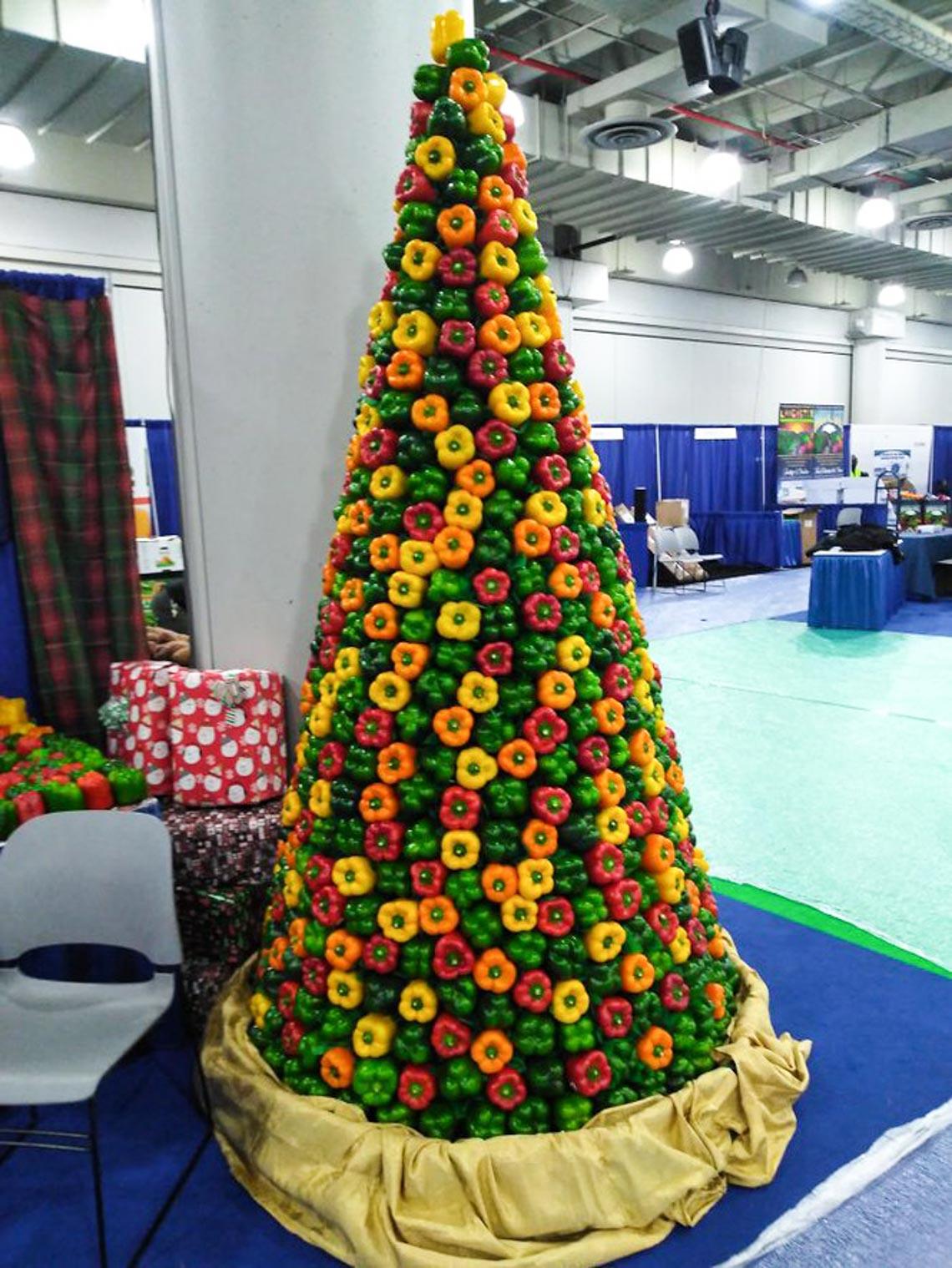 Thích mê những cây thông Noel 'có một không hai' của dân mạng-2