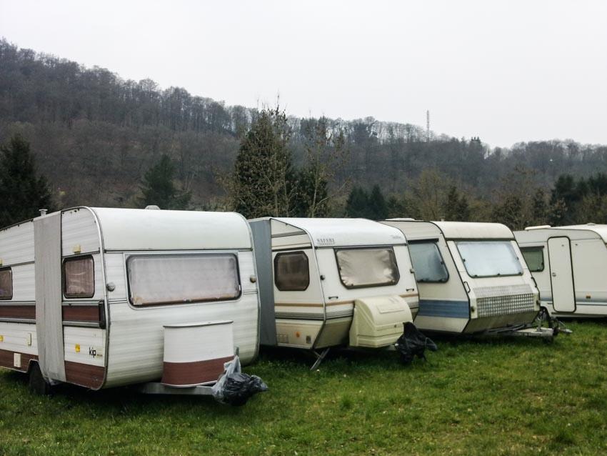 Thung lũng cắm trại bên sông Semoirs -2