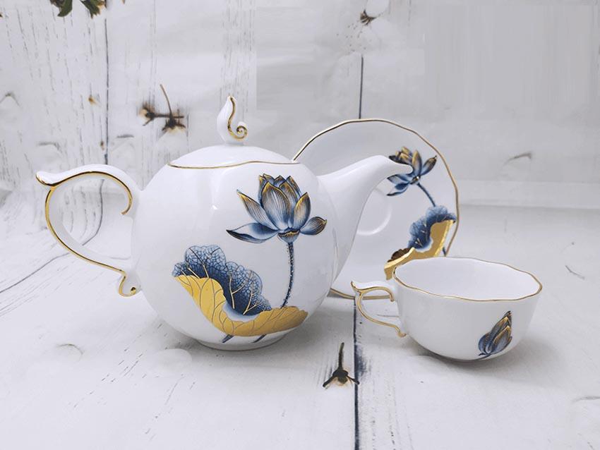 Trao tặng tri ân cùng bộ trà Tịnh Tâm Vàng-2