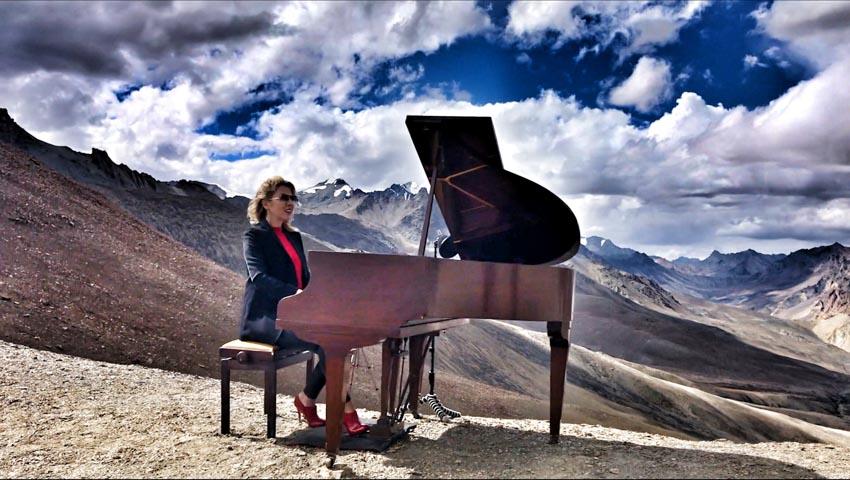 Trình diễn đàn piano ở độ cao lớn nhất thế giới -11