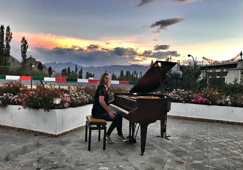 Trình diễn đàn piano ở độ cao lớn nhất thế giới -4
