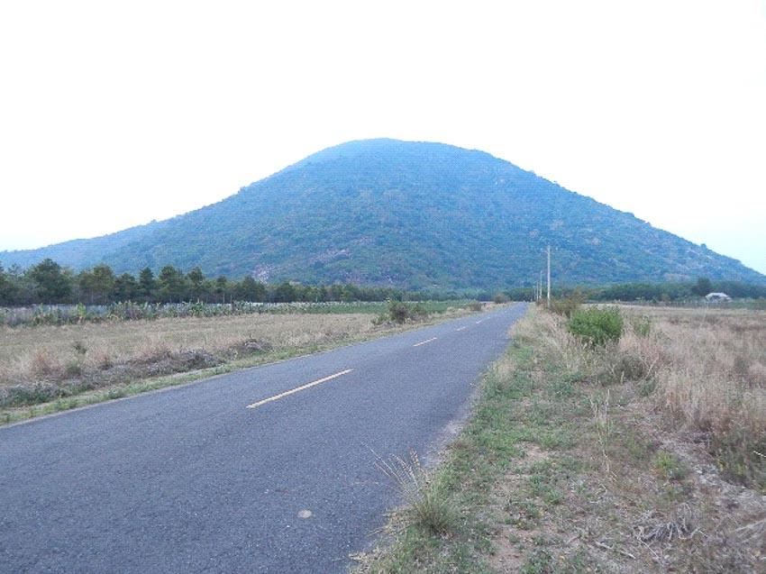 Về tên gọi núi Bà Đen - 4