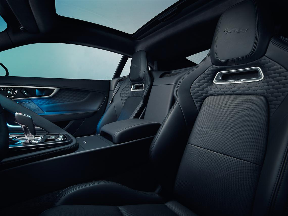 Jaguar F-Type 2021 chính thức ra mắt - 15