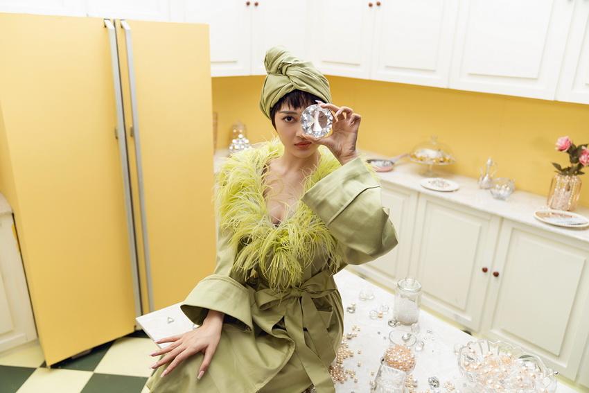 Bảo Anh tung MV Lười yêu với tuyên ngôn dành cho chị em 'Đã xinh không cần phải vội' -5