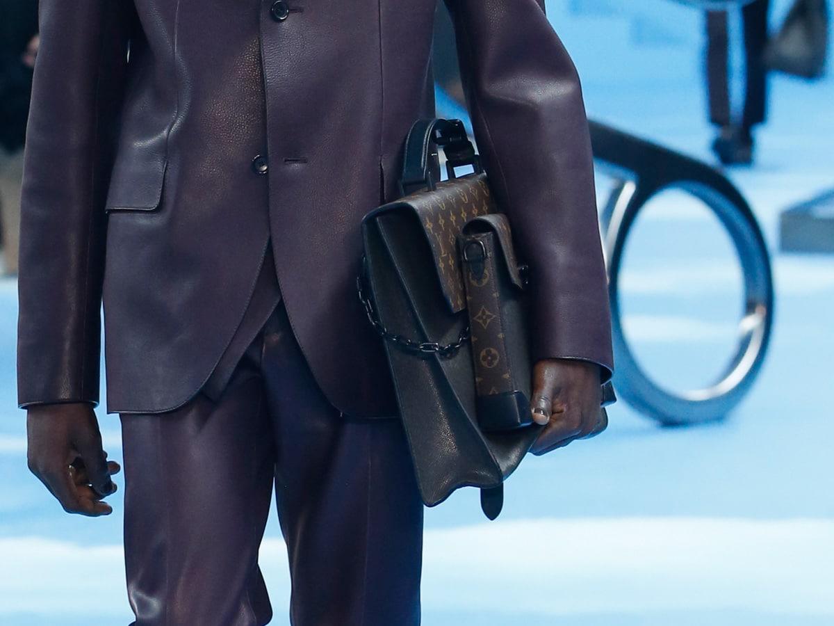 Những thiết kế túi của Abloh đưa Louis Vuitton vào xứ sở thần tiên - 10