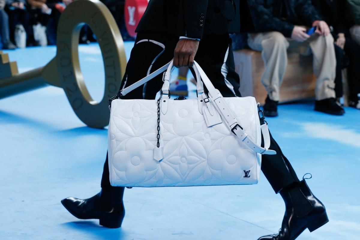 Những thiết kế túi của Abloh đưa Louis Vuitton vào xứ sở thần tiên - 13