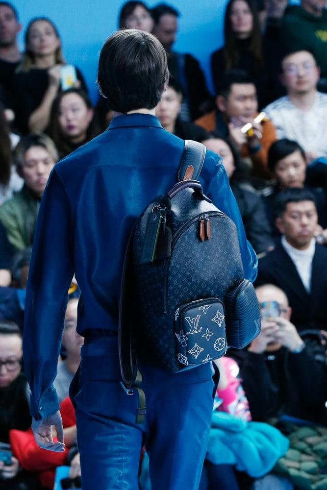 Những thiết kế túi của Abloh đưa Louis Vuitton vào xứ sở thần tiên - 14