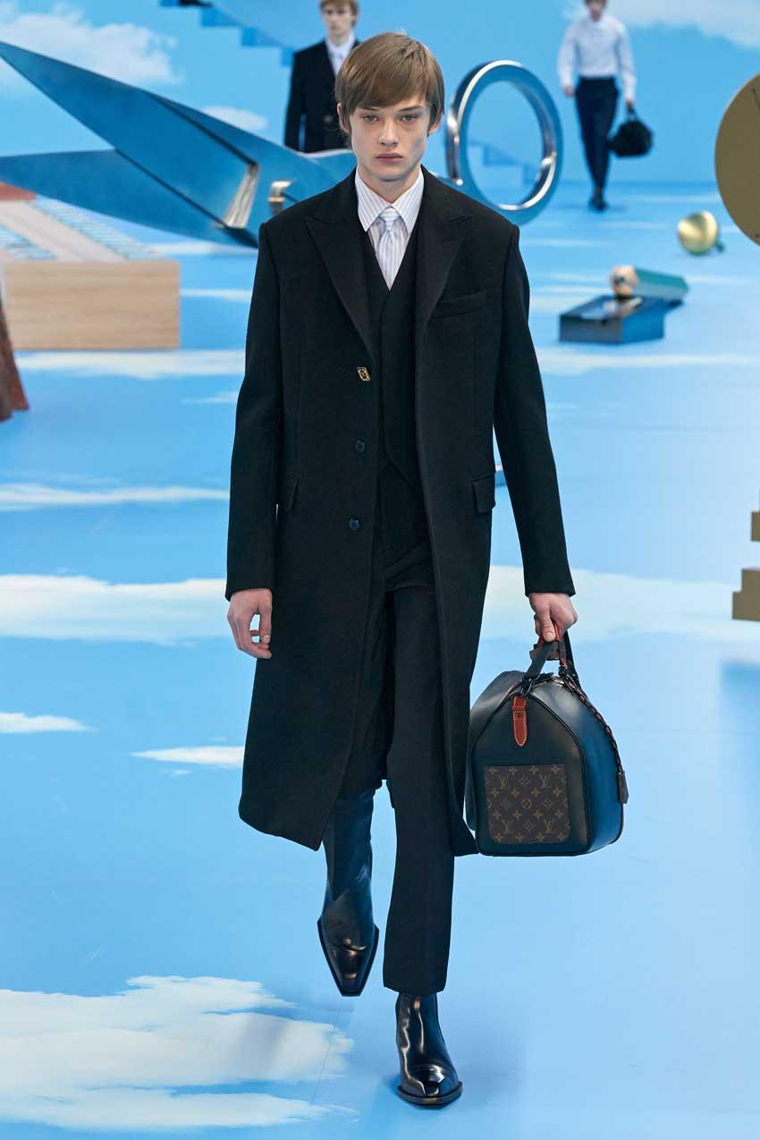 Những thiết kế túi của Abloh đưa Louis Vuitton vào xứ sở thần tiên - 18