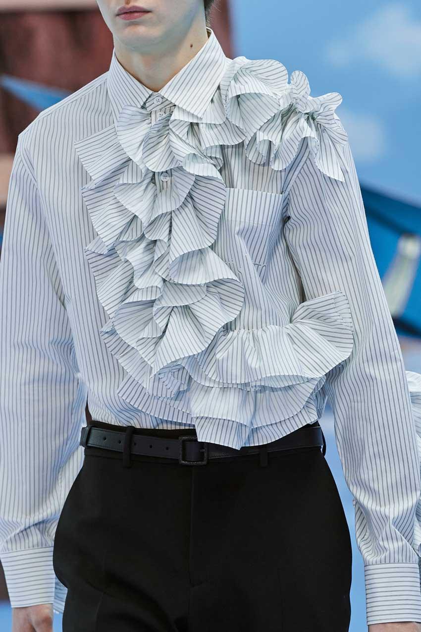 Những thiết kế túi của Abloh đưa Louis Vuitton vào xứ sở thần tiên - 26