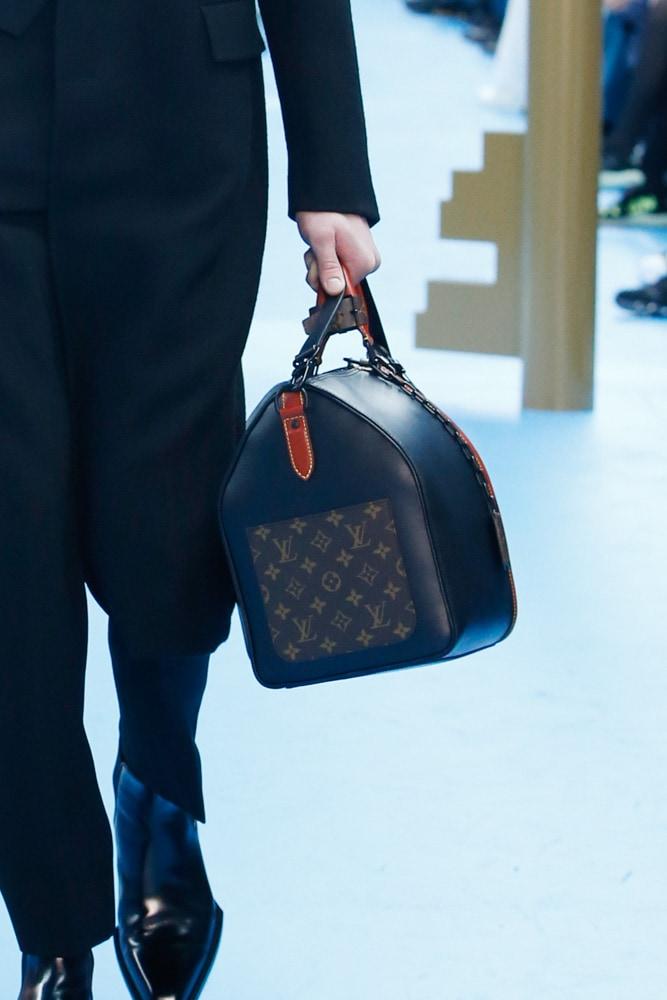 Những thiết kế túi của Abloh đưa Louis Vuitton vào xứ sở thần tiên - 6