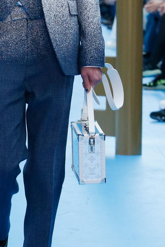 Những thiết kế túi của Abloh đưa Louis Vuitton vào xứ sở thần tiên- 8