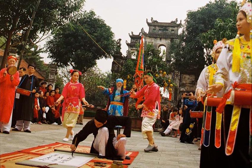 Hà Nội tái hiện Tết xưa trên phố nay - 9