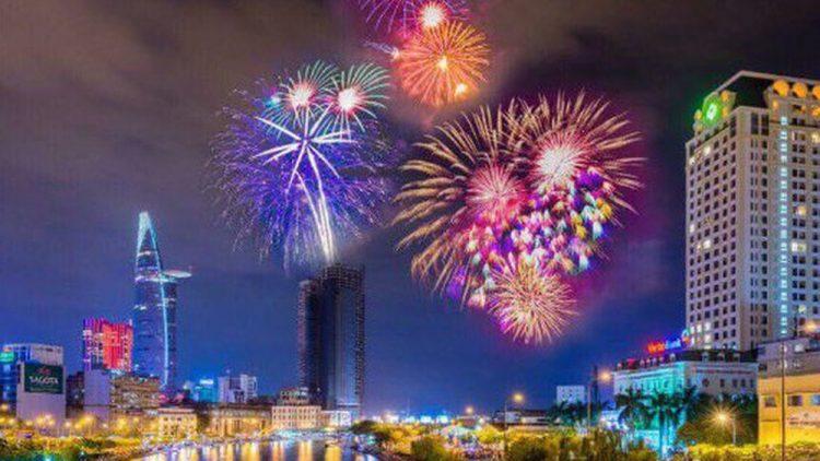 Thành phố Hồ Chí Minh bắn pháo hoa tại 7 điểm mừng Tết Canh Tý 2020